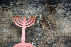Gamla kandelaber från grottan av Elijah profeten Arkivbilder