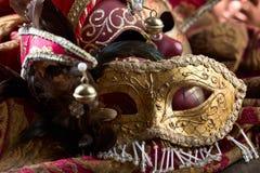 Gamla karnevalmaskeringar Arkivbild