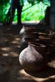 Gamla keramiska vaser royaltyfri foto