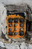 Gamla knappar för klocka för skademetalllägenhet Royaltyfria Foton