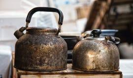 Gamla kokkärl Arkivfoto