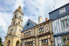 Gamla korsvirkes- färgrika hus i Vannes, Brittany (Bretagne) Royaltyfria Bilder