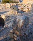 Gamla kvarnstenar på skärm i Alicante Santa Barbara rockerar Royaltyfria Bilder
