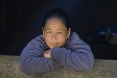 Gamla kvinnor för stående i Nepal Royaltyfri Fotografi