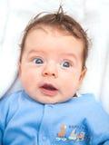 2 gamla månader behandla som ett barn pojken hemma Royaltyfria Bilder