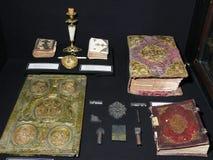 Gamla manuskriptböcker och anpassningar för deras handstil arkivfoton
