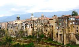 Gamla medeltida byggnader i Sant'Agata nära Naples Royaltyfria Bilder