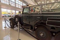 Gamla Mercedes-Benz Model 1939 G4 Offener som en gång turnerar vagnen som Arkivbild