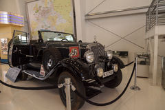 Gamla Mercedes-Benz Model 1939 G4 Offener som en gång turnerar vagnen som Royaltyfri Fotografi