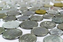 Gamla mynt, mynt, vit bakgrund, brasilian Fotografering för Bildbyråer