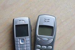 Gamla nokia telefoner Fotografering för Bildbyråer