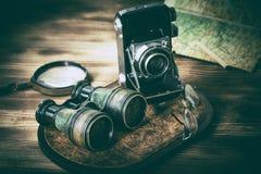 Gamla objekt med linser fotografering för bildbyråer