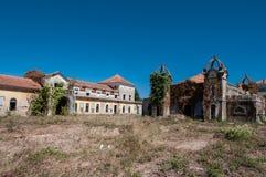 Gamla och övergav slottar arkivbilder