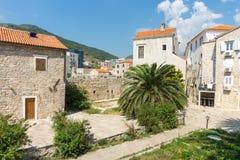 Gamla och nya Budva i Montenegro Arkivbilder