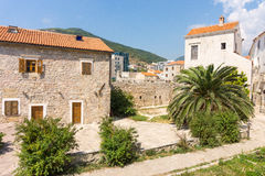 Gamla och nya Budva, Montenegro Arkivfoto