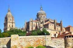 Gamla och nya domkyrkor i Salamanca Royaltyfria Foton