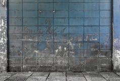 Gamla och smutsiga cementkvarterväggar texturerade bakgrund Fotografering för Bildbyråer