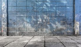 Gamla och smutsiga cementkvarterväggar texturerade bakgrund Arkivbild