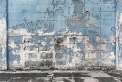 Gamla och smutsiga cementkvarterväggar texturerade bakgrund Arkivbilder
