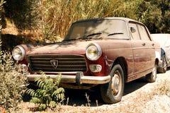 Gamla Peugeot 404 Royaltyfri Bild