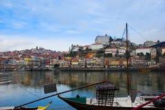 Gamla Porto på den Douro banken, Portugal royaltyfri bild