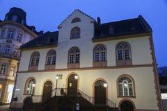 Gamla Rathaus i Wiesbaden Arkivfoton