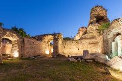 Gamla Roman Baths av Odessos, Varna, Bulgarien royaltyfri foto