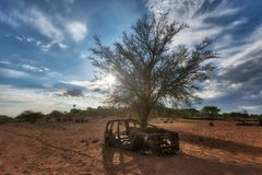 Gamla Rusty Cars i den Namib öknen som tas i Januari 2018 arkivbilder
