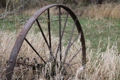 Gamla Rusty Metal Wheel Royaltyfria Foton