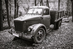 Gamla Rusty Vintage Truck Royaltyfri Fotografi