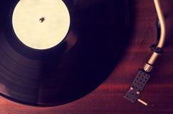 Gamla skivspelare- och grammofonrekord Royaltyfria Bilder