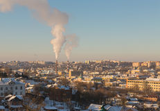Gamla Smolensk och nybyggen i en klar dag för vinter` s Arkivfoto