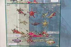 Gamla sovjetiska julleksaker - flygplan och luftskepp Fotografering för Bildbyråer