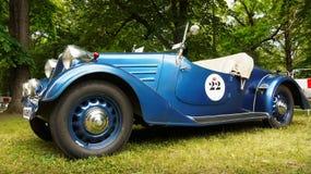 Gamla sportar och tävlings- bilar Royaltyfri Fotografi