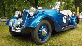 Gamla sportar och tävlings- bilar Arkivbild