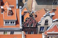Gamla stadbyggnader i mitten av Gdansk Polen Royaltyfria Foton