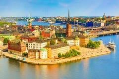 Gamla Stan, старая часть Стокгольма в солнечном летнем дне, Swe стоковые изображения rf