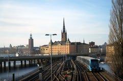 Gamla Stan y ayuntamiento en Estocolmo foto de archivo libre de regalías