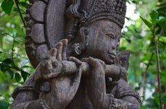Gamla statyer av templet Arkivfoto