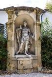 Gamla statyer i Aixen provence i joseph sekundmausoleum Royaltyfri Foto
