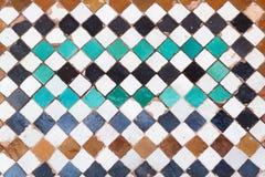 Gamla tegelplattor från Marrakesh Royaltyfria Foton