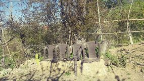 Gamla trädgårds- stolar Royaltyfria Bilder