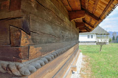 Gamla träkyrkadetaljer Arkivbild
