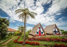 Gamla traditionella hus på madeira Arkivbild