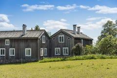 Gamla trälantgårdbyggnader Halsingland Sverige Arkivbilder
