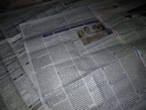 Gamla ukrainska tidningar arkivfoto