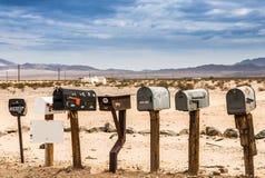 Gamla USA-brevlådor längs Route 66 Arkivfoton