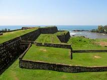 Gamla väggar av fortet Galle, Sri Lanka Royaltyfria Foton
