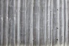 Gamla vertikal träplankor för tappning royaltyfri fotografi
