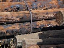 Gamla Wood journalstolpar Arkivfoto